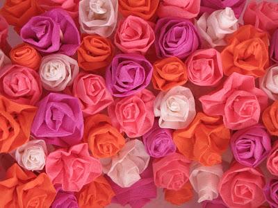 χάρτινα λουλούδια για στεφάνι