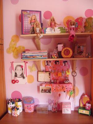 Διακόσμηση και κατσσεκυές για παιδικό δωμάτιο κοριτσιών.