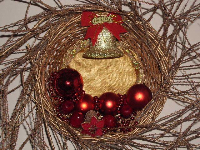 Χριστουγεννιάτικο στεφάνι σε καλάθι εύκολη κατασκευή