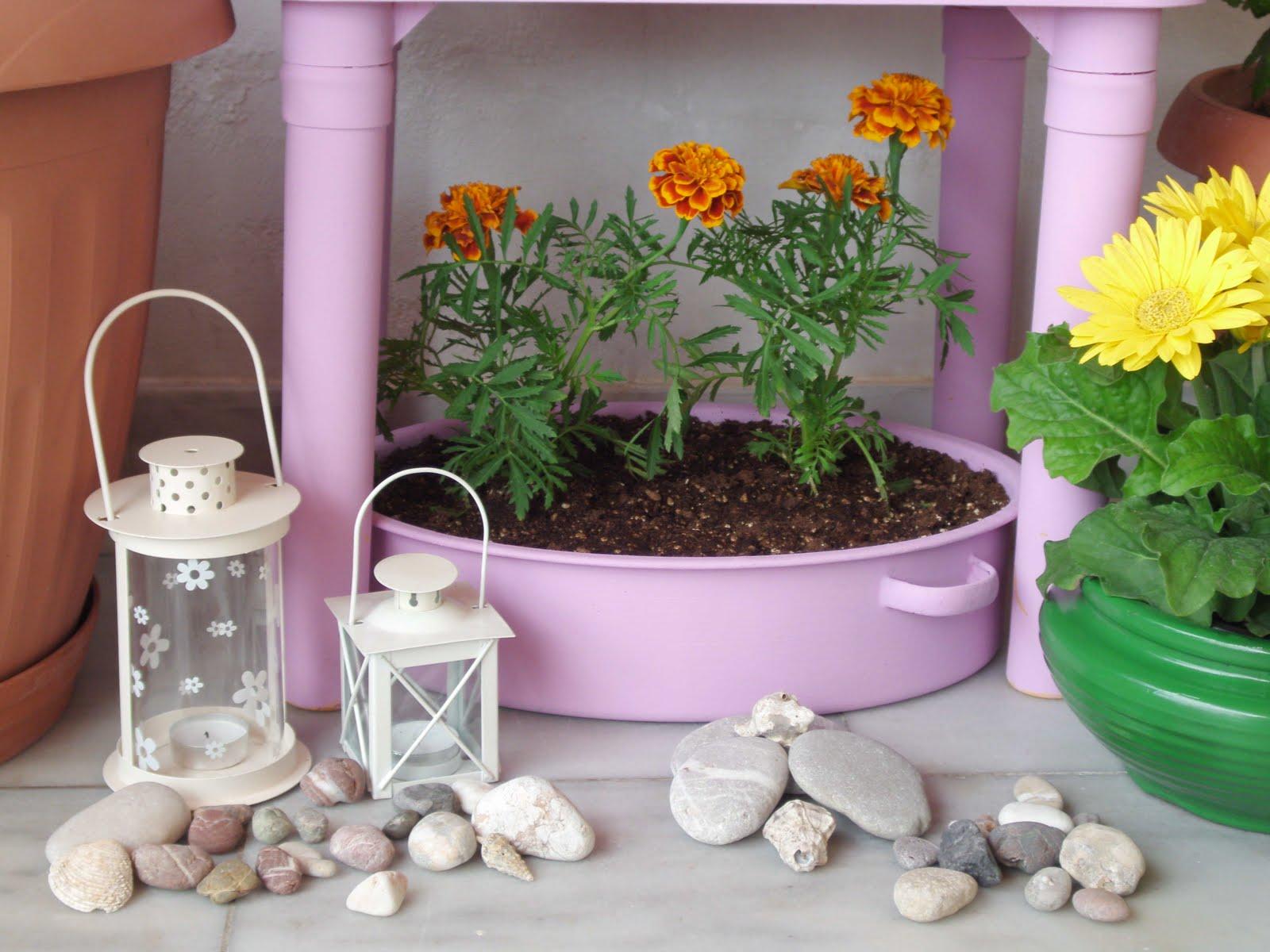 Βάψε τις γλάστρες και φύτεψε λουλούδια