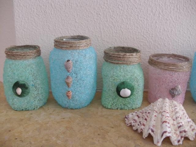Διακόσμηση βάζων με χρωματισμένο αλάτι και κοχύλια.