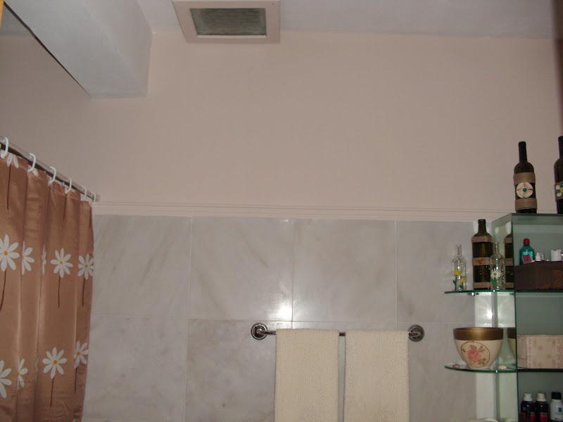 Ανανέωση μπάνιου  το χρώμα στους τοίχους