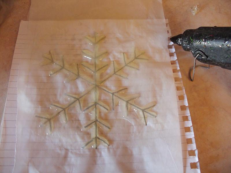 Κατασκευή χιονονιφάδας με σιλικόνη