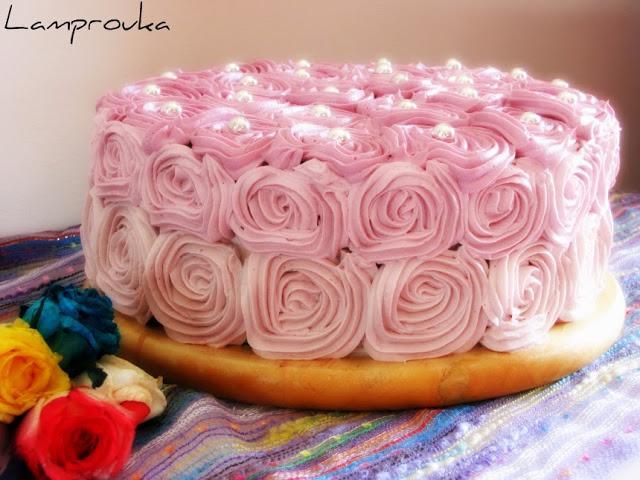 τούρτα γενεθλίων με τριαντάφυλλα