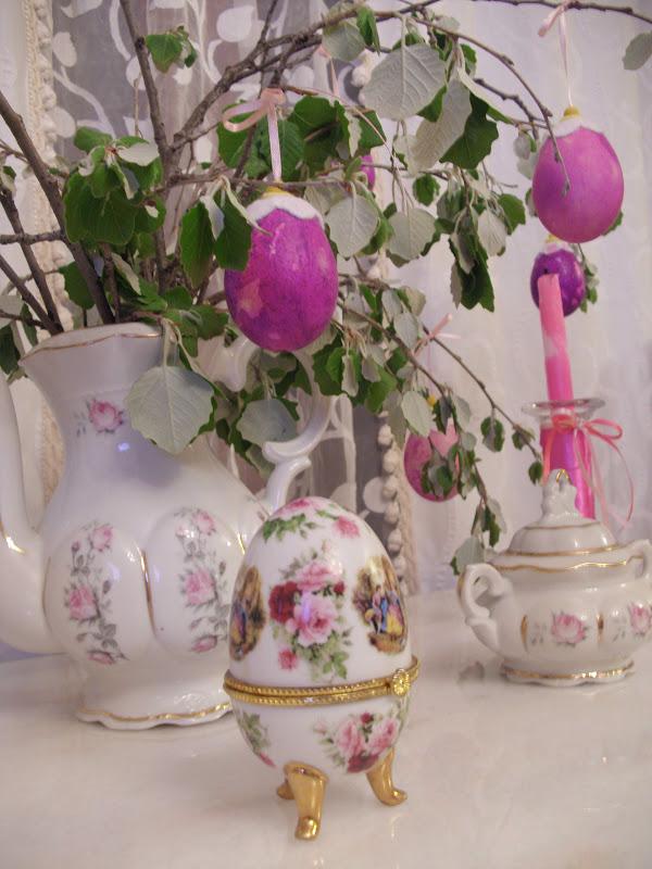 Βάψιμο αυγών με γκοφρέ χαρτί και πασχαλινή διακόσμηση
