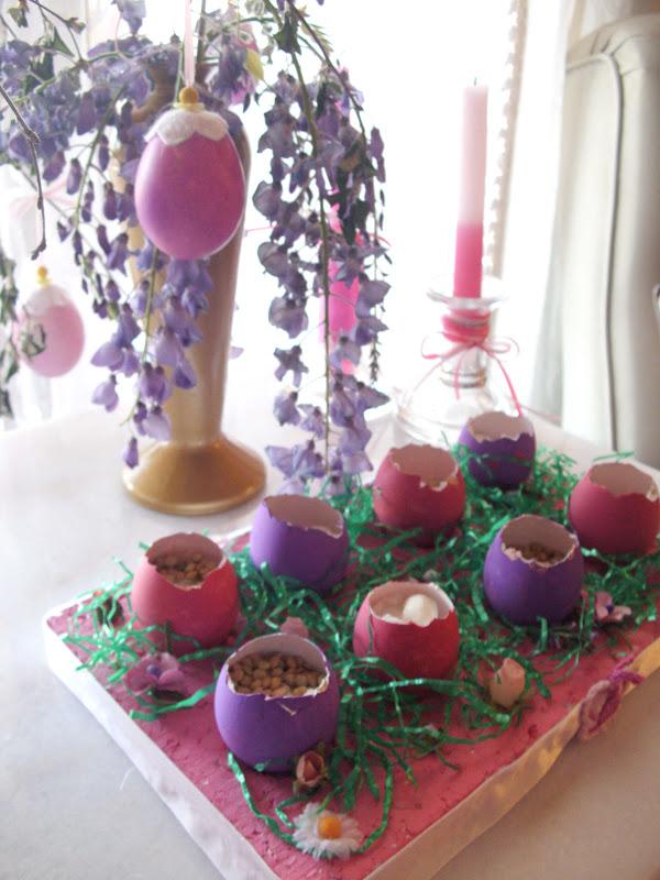 Πασχαλινή διακόσμηση με αυγά.