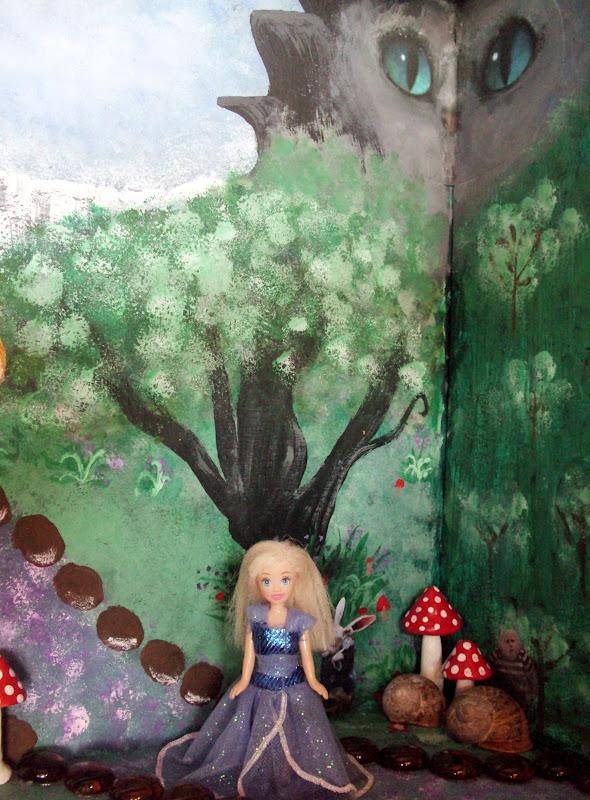 Η Αλίκη στη χώρα των θαυμάτων μέσα σ' ένα συρτάρι
