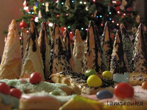 Χριστουγεννιάτικα μπισκότα και δεντράκια όλο γλύκα