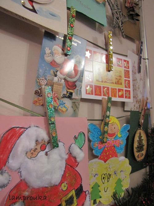 Ιδέα για να κρεμάσετε τις χριστουγεννιάτικες κάρτες σας