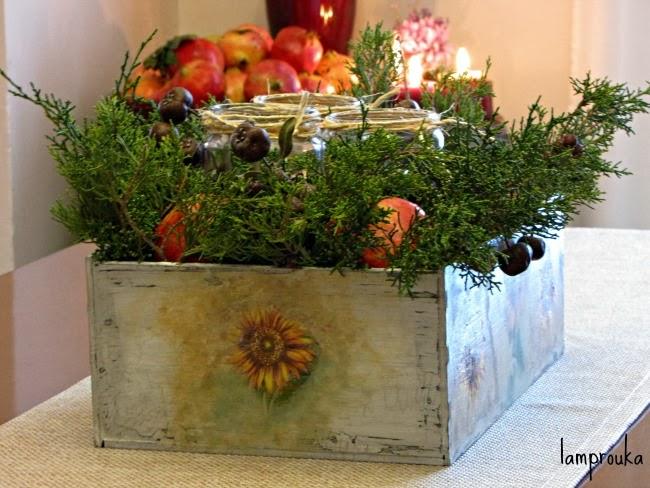 Φθινοπωρινή διακόσμηση μέσα σε κουτί για το τραπέζι σου.