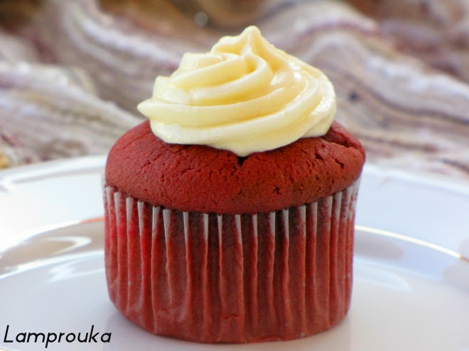 Red Velvet cupcakes με κρέμα τυριού