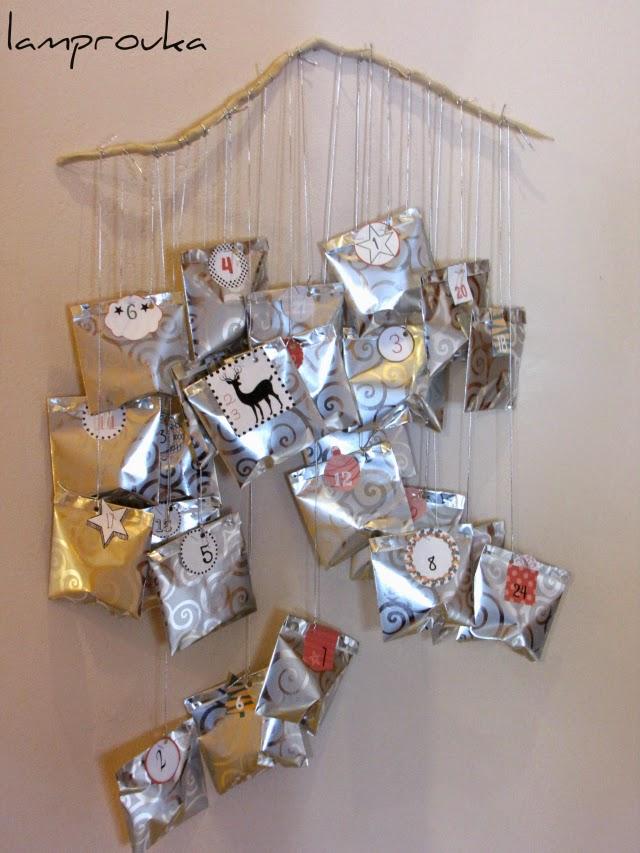 Εύκολο ημερολόγιο Χριστουγέννων με χάρτινα σακουλάκια