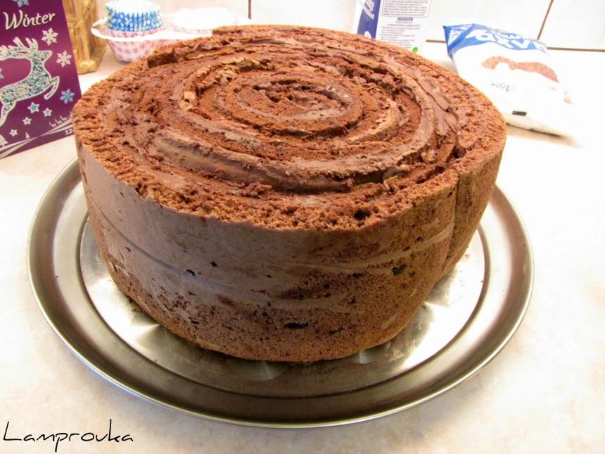 Ρολό σοκολάτας με γέμιση για τούρτα frozen.