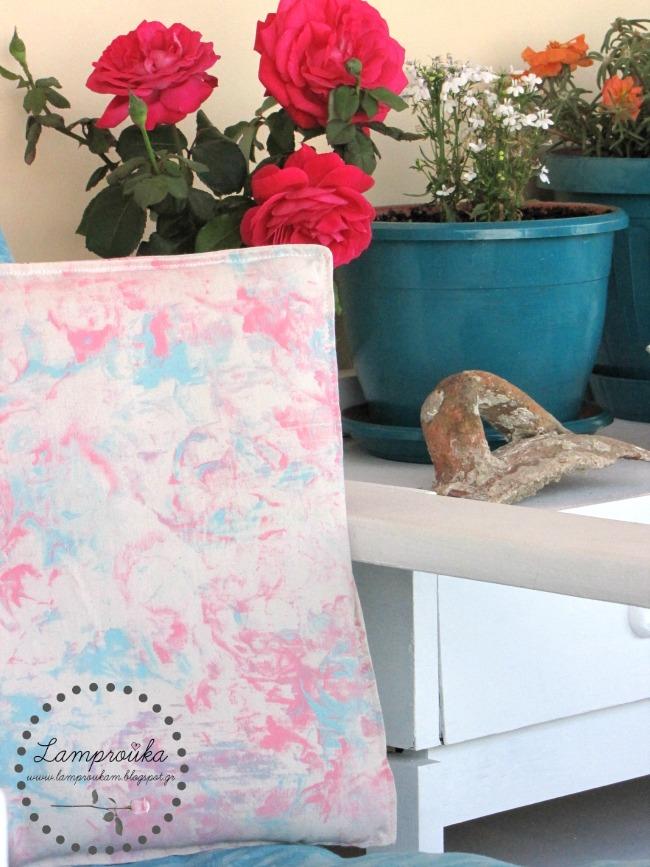 Ζωγραφική με αφρό ξυρίσματος σε μαξιλάρι