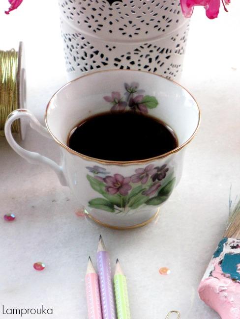 Αγαπάμε και τον καφέ.