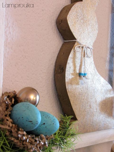 Πασχαλινή διακόσμηση σε κορνίζα και κουνέλι.