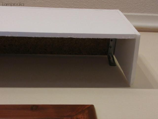 Κατασκευή για να καλύψεις το κουρτινόξυλο.