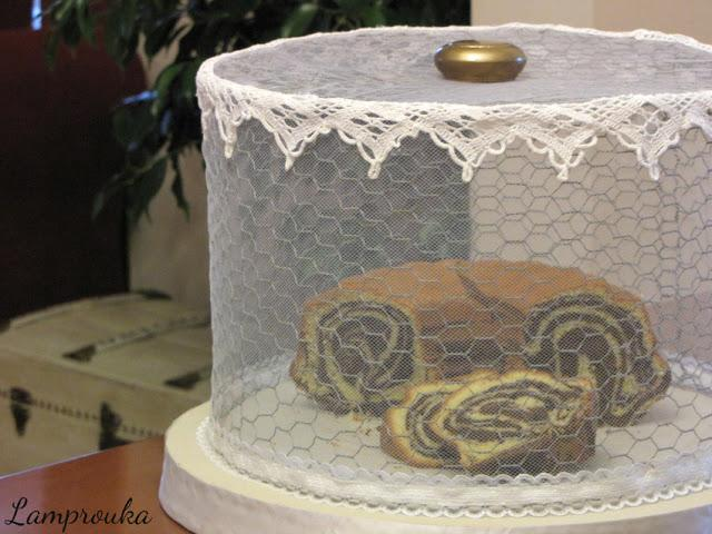 Φτιάξε ένα κάλυμμα για τα κέικ σου από κοτετσόσυρμα.