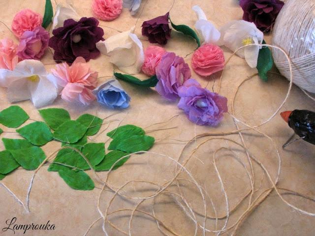 Πως να φτιάξεις γιρλάντα με χάρτινα λουλούδια.