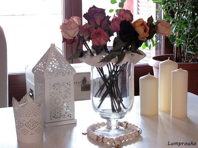 Ανοιξιάτικη διακόσμηση με τριαντάφυλλα.