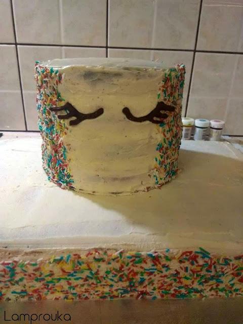 Στήνουμε την διώροφη τούρτα μονόκερος