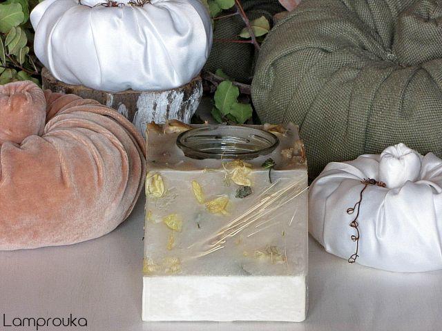 Φτιάξε κερί με αποξηραμένα λουλούδια και βάση από τσιμέντο