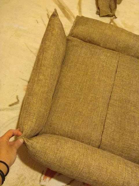 Ράψε μαξιλάρι για να κοιμάται το σκυλάκι σου
