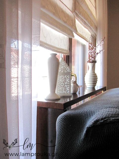 Κατασκευή κονσόλας-τραπεζιού και διακόσμηση πίσω από καναπέ.