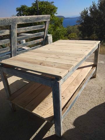 Πως να φτιάξεις τραπέζι μπαλκονιού με παλέτες