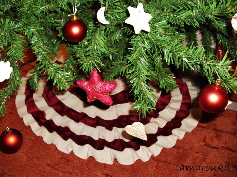 Πως να φτιάξεις μια φούστα για το χριστουγεννιάτικο δέντρο.