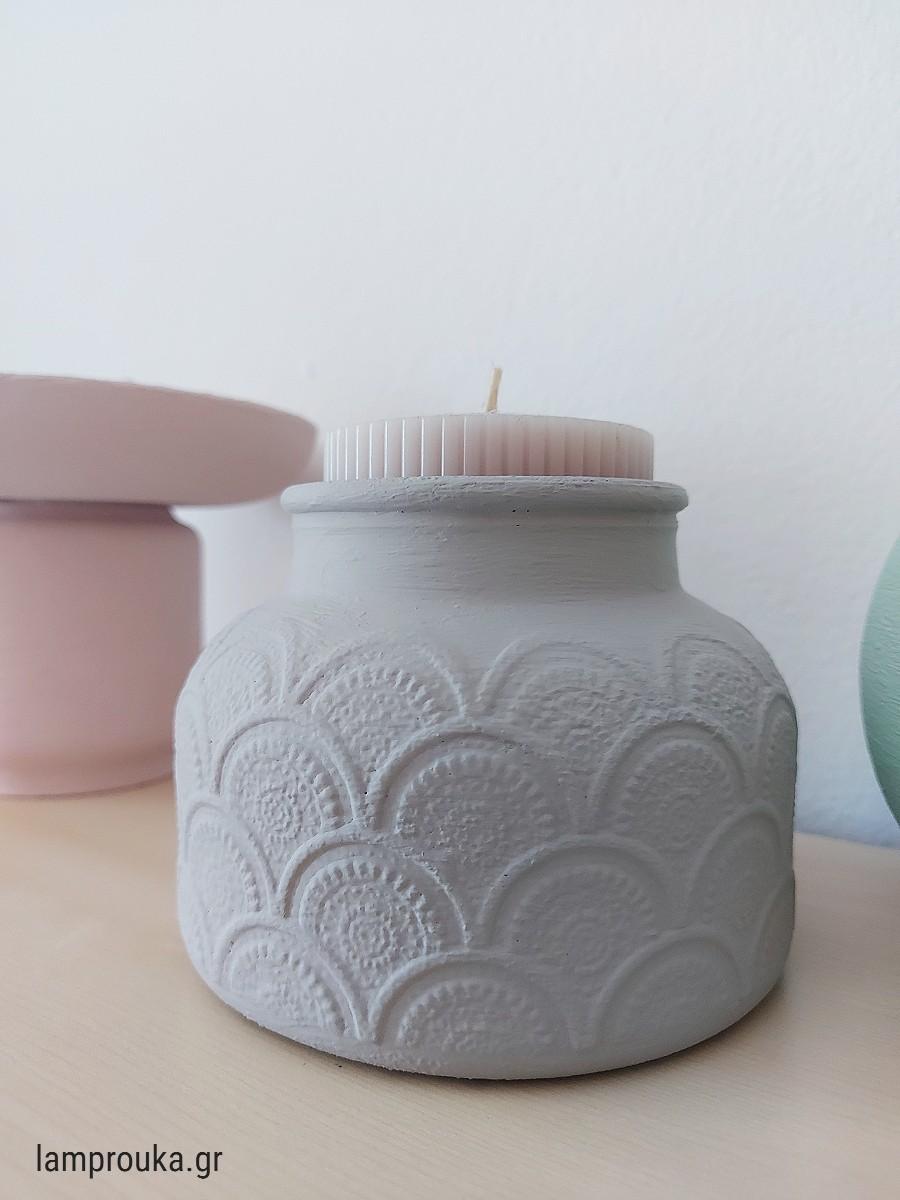 Βάψιμο βάζων με χρώματα κιμωλίας