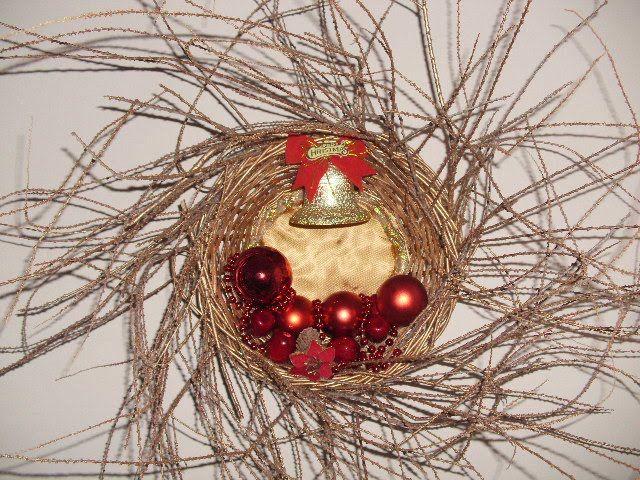 Χριστουγεννιάτικο στεφάνι σε καλάθι κατασκευή