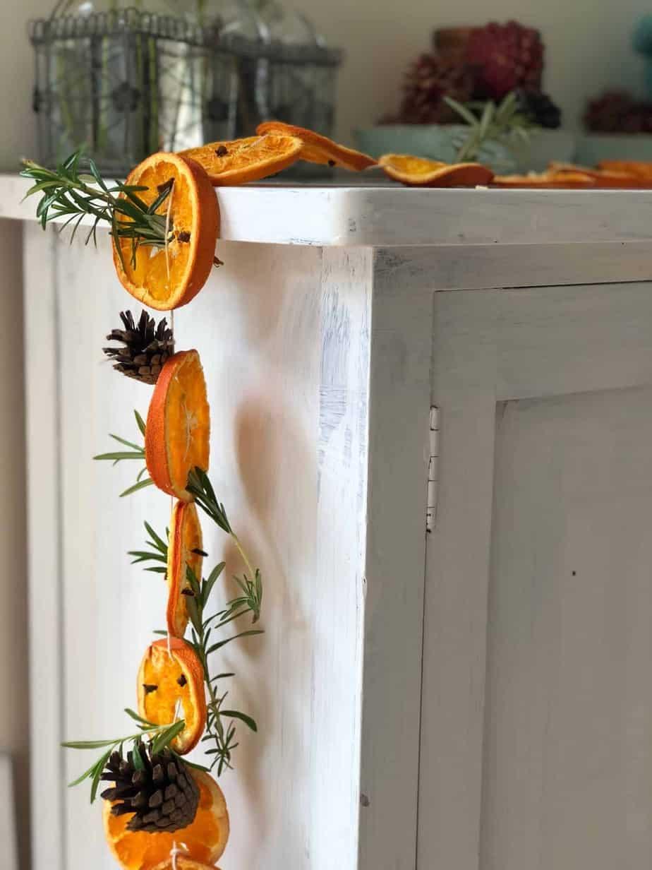 Φθινοπωρινές κατασκευές , γιρλάντα με υλικά της φύσης